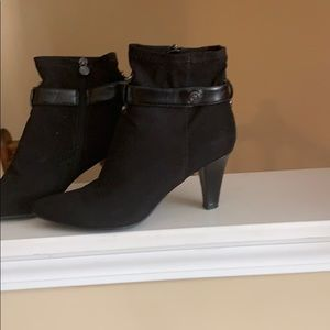 Aigner black booties new size 7